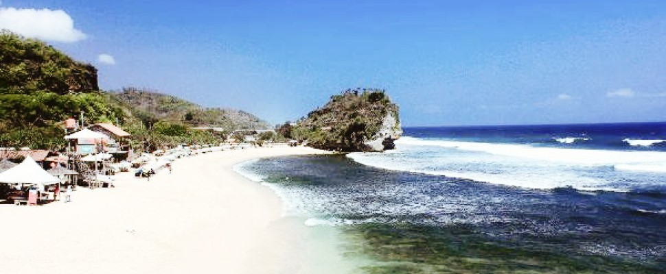 Pesona Alam Pantai Indrayanti Destinasi Wisata Jogjakarta